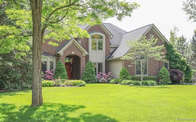 9775 Kingston Pointe Drive, Springfield Twp, MI 48348 (#219093649) :: The Buckley Jolley Real Estate Team
