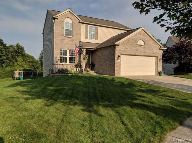 911 Deer Valley Road, Holly Twp, MI 48442 (#219093842) :: The Mulvihill Group
