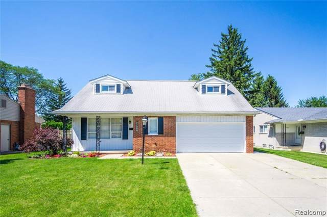 27360 Kingswood Drive, Dearborn Heights, MI 48127 (#219093915) :: The Buckley Jolley Real Estate Team