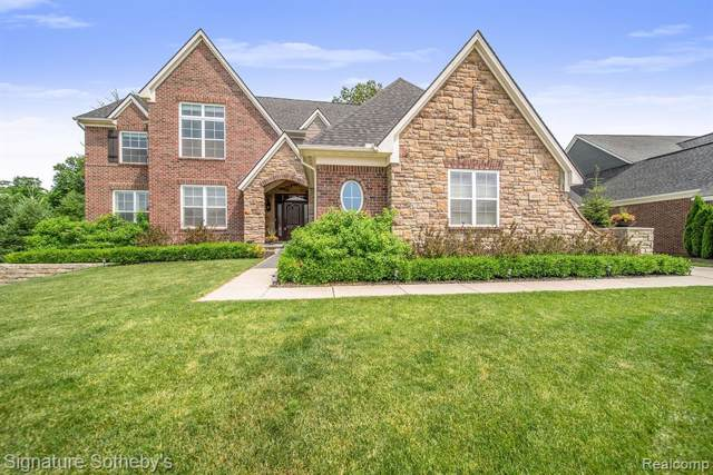 4552 Oakhurst Ridge Road, Independence Twp, MI 48348 (#219093932) :: Alan Brown Group