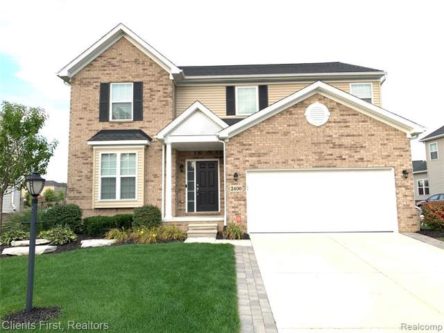 2400 Solace Drive, Commerce Twp, MI 48382 (#219093981) :: The Buckley Jolley Real Estate Team