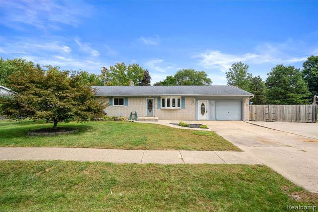 46030 Huling Street, Shelby Twp, MI 48317 (#219094001) :: The Buckley Jolley Real Estate Team