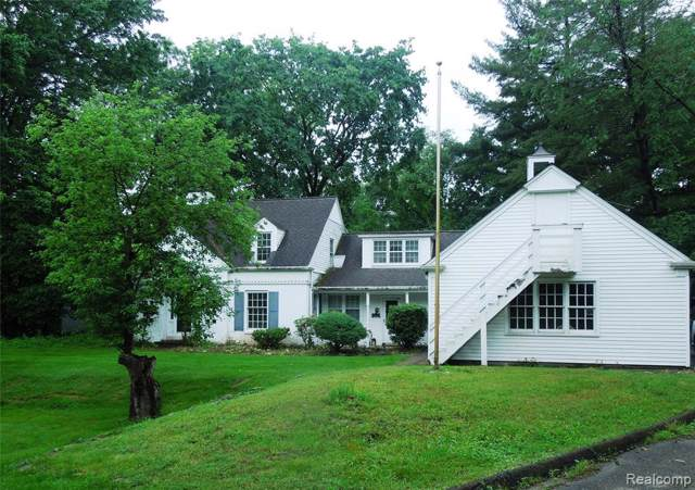 6618 Bloomfield Lane, West Bloomfield Twp, MI 48322 (#219094087) :: RE/MAX Classic