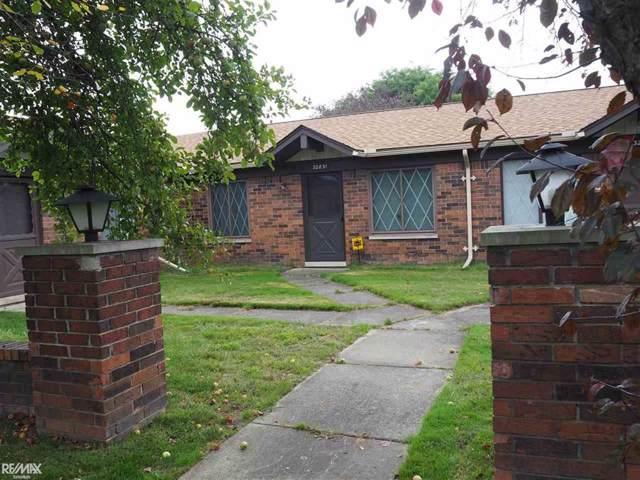 32831 Meadowbrook Ln, Warren, MI 48093 (#58031394114) :: The Alex Nugent Team | Real Estate One