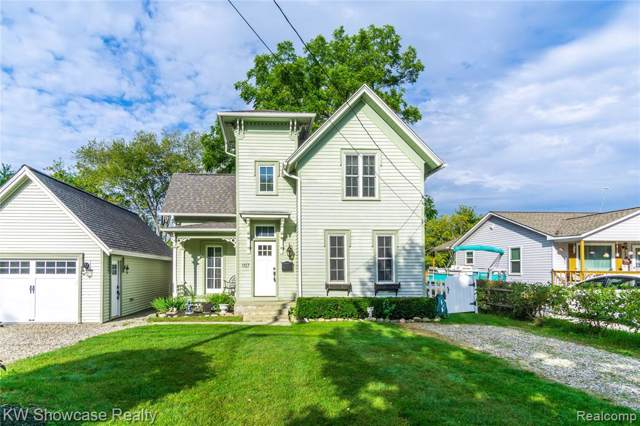 107 Clarence Street, Holly Vlg, MI 48442 (#219094322) :: RE/MAX Classic