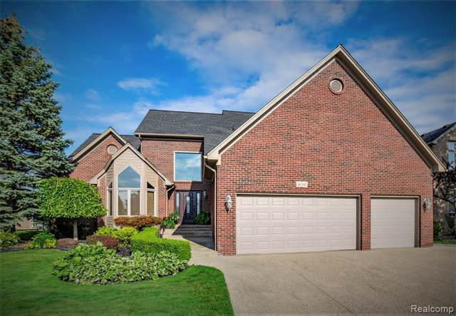 46040 Copper Lock Lane, Macomb Twp, MI 48044 (#219094342) :: The Alex Nugent Team | Real Estate One