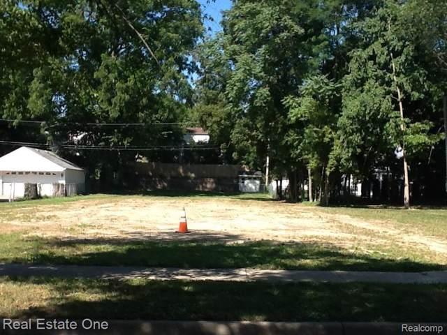 325 Oak Street, Rochester, MI 48307 (#219094413) :: The Alex Nugent Team | Real Estate One