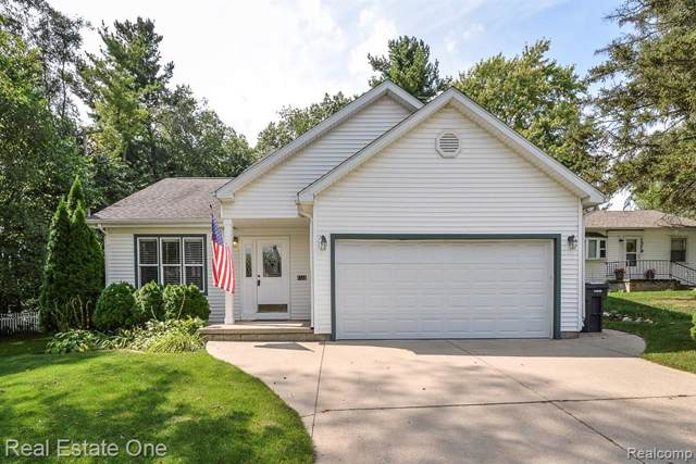 1531 1ST Avenue, Howell, MI 48843 (#219094439) :: Team Sanford