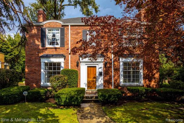 1410 Three Mile Drive, Grosse Pointe Park, MI 48230 (MLS #219094695) :: The Toth Team