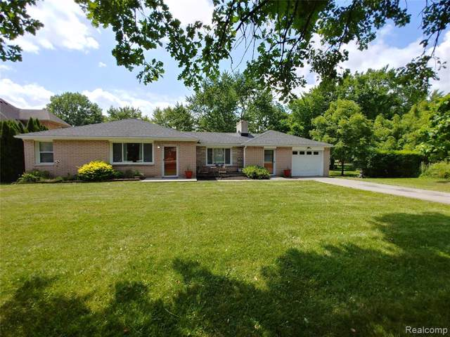 19882 Meridian Road, Grosse Ile Twp, MI 48138 (MLS #219094952) :: The Toth Team