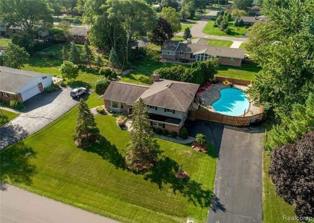 2687 Avonhurst Drive, Troy, MI 48084 (#219094985) :: The Mulvihill Group