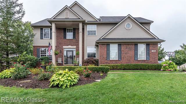 1368 Chaise Court, South Lyon, MI 48178 (#219095021) :: The Buckley Jolley Real Estate Team