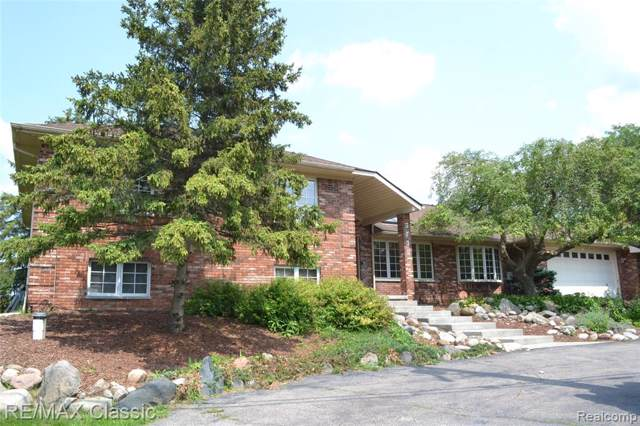 3730 Sleeth Road, Commerce Twp, MI 48382 (#219095148) :: The Buckley Jolley Real Estate Team