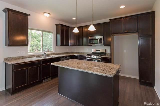 20843 Oak Ridge Drive, Clinton Twp, MI 48036 (#219095256) :: The Alex Nugent Team | Real Estate One