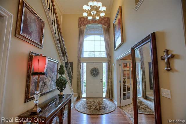 42081 Malott Drive, Novi, MI 48375 (#219095324) :: The Alex Nugent Team   Real Estate One