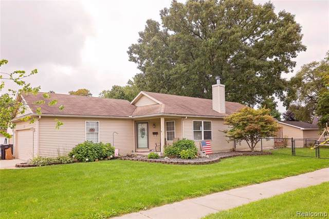 802 Dearborn Street, Howell, MI 48843 (#219095352) :: Team Sanford
