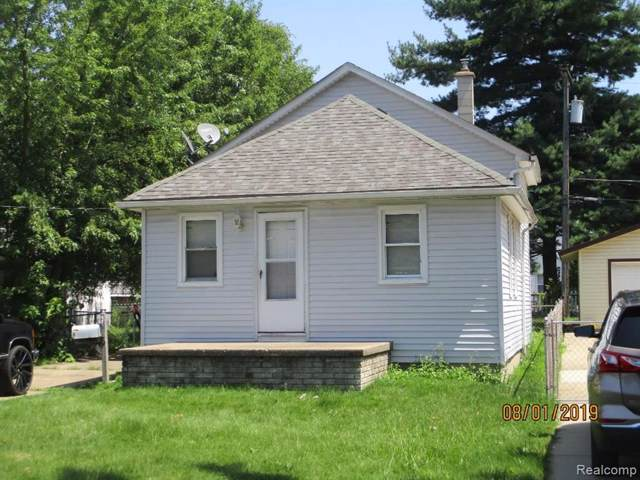 8676 Robindale Avenue, Dearborn Heights, MI 48127 (#219095820) :: Team Sanford