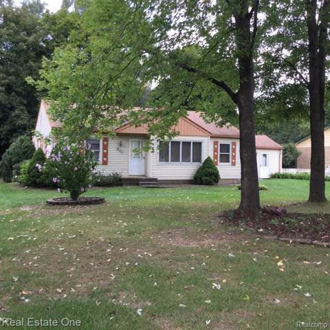 8163 Pacton Drive, Shelby Twp, MI 48317 (MLS #219095858) :: The John Wentworth Group