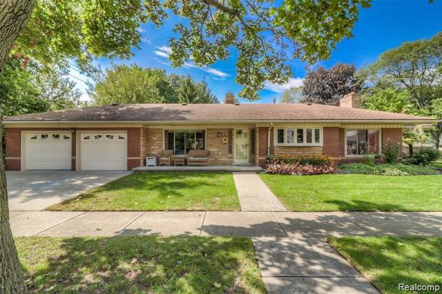 1 Fairmount Court, Dearborn, MI 48124 (#219095984) :: Team Sanford