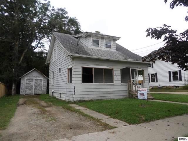 2008 S Jackson St, CITY OF JACKSON, MI 49203 (#55201903462) :: Keller Williams West Bloomfield