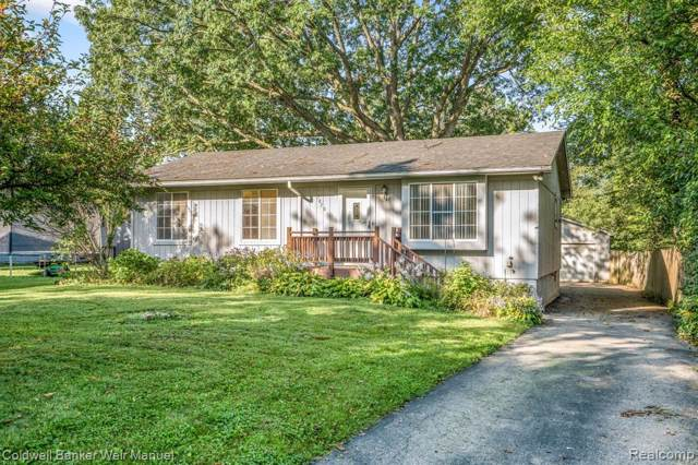 3070 Greenwood Drive, Rochester Hills, MI 48309 (#219096117) :: The Alex Nugent Team | Real Estate One