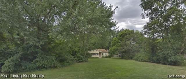 3520 John R Road, Rochester Hills, MI 48307 (#219096184) :: The Alex Nugent Team | Real Estate One