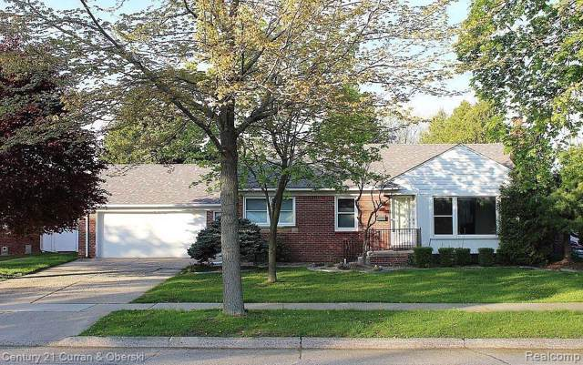 3748 Kensington Drive, Royal Oak, MI 48073 (#219096261) :: The Mulvihill Group