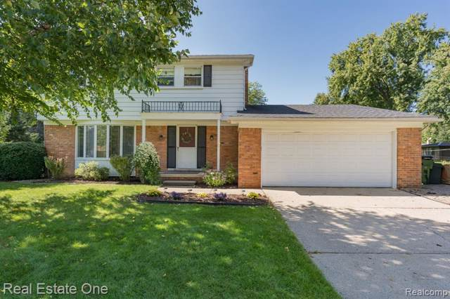 53143 Franklin Drive, Shelby Twp, MI 48316 (#219096294) :: The Alex Nugent Team | Real Estate One