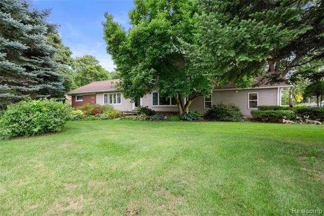 18230 S Nunnely Road, Clinton Twp, MI 48035 (MLS #219096295) :: The John Wentworth Group