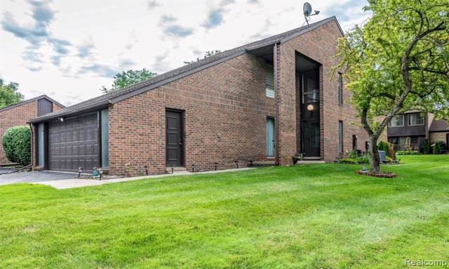 3019 Lindenwood Drive, Dearborn, MI 48120 (#219096504) :: The Alex Nugent Team   Real Estate One