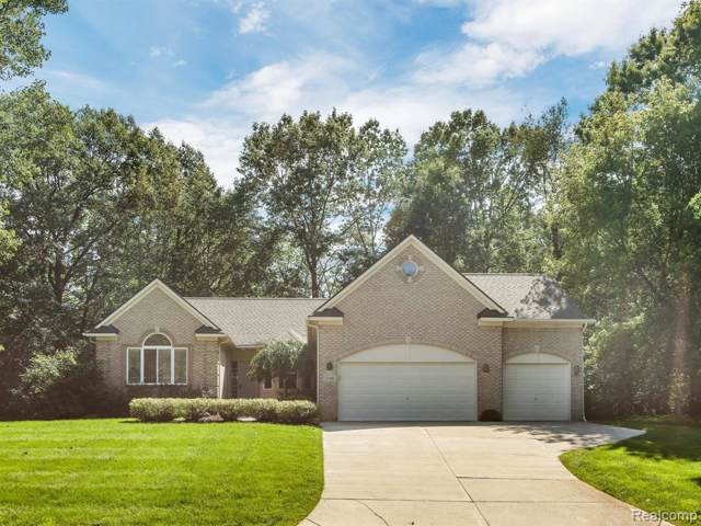 2300 Crested Butte Drive, White Lake Twp, MI 48383 (#219096829) :: Alan Brown Group