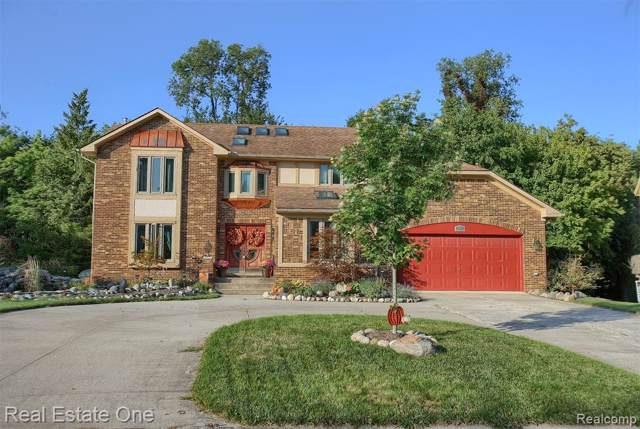 31227 Country Ridge Circle, Farmington Hills, MI 48331 (#219097126) :: RE/MAX Classic