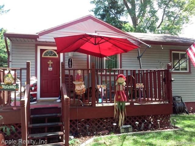 700 Emerson Avenue, Pontiac, MI 48340 (MLS #219097180) :: The Toth Team