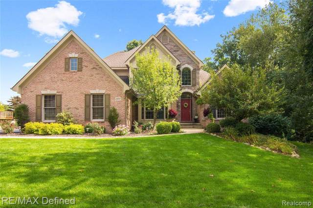 8200 Staghorn Trail E, Independence Twp, MI 48348 (MLS #219097229) :: The Toth Team