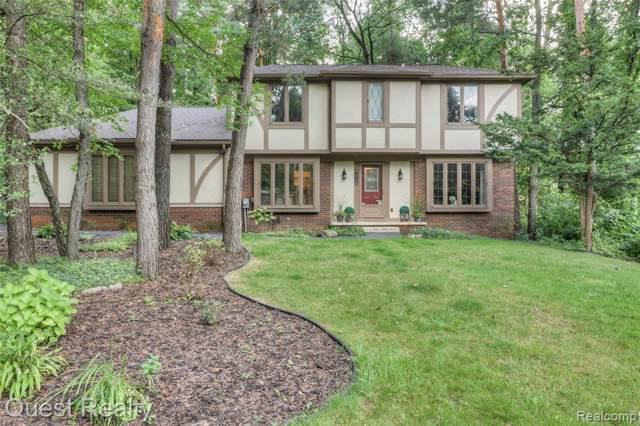 8102 Fawn Valley Drive, Independence Twp, MI 48348 (MLS #219097407) :: The Toth Team