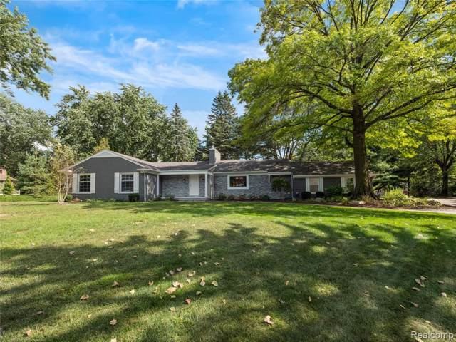 6865 Whysall Road, Bloomfield Twp, MI 48301 (#219097584) :: The Mulvihill Group