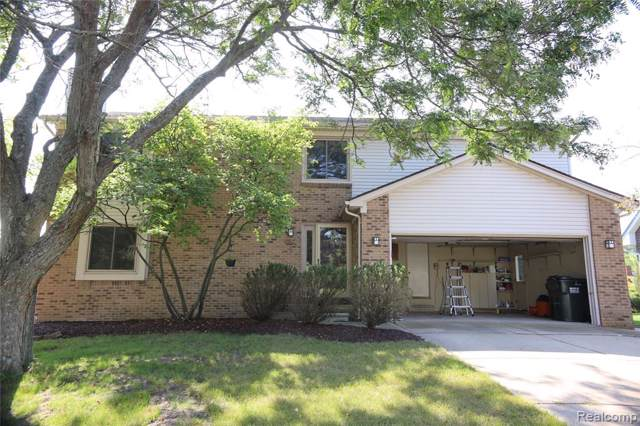 1947 N Fairview Lane, Rochester Hills, MI 48306 (#219097846) :: Team Sanford