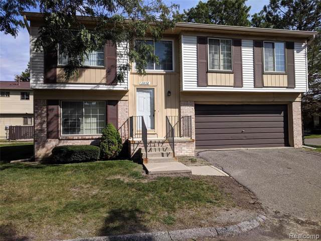 2938 Roundtree Drive, Troy, MI 48083 (#219098259) :: The Buckley Jolley Real Estate Team