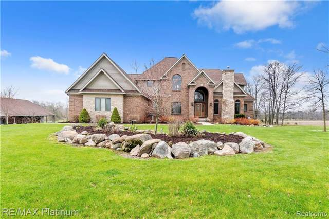 3590 N Burkhart Road, Howell Twp, MI 48855 (#219098341) :: Team DeYonker