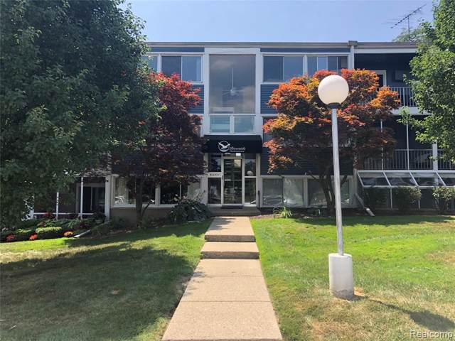 2419 Riverside Drive #302, Trenton, MI 48183 (#219099295) :: The Buckley Jolley Real Estate Team