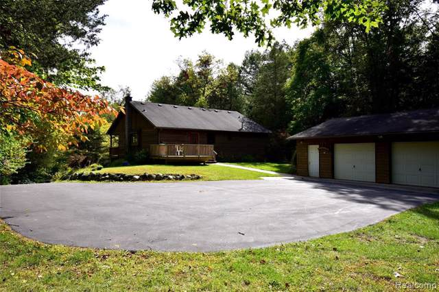 2053 Darwin Road, Hamburg Twp, MI 48169 (MLS #219099649) :: The Toth Team