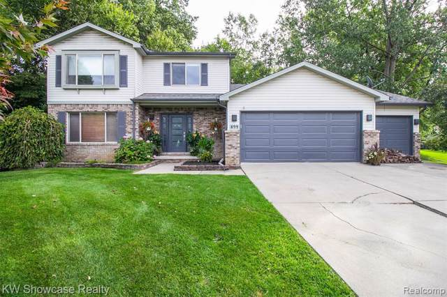 499 Williamsport Court, White Lake Twp, MI 48386 (#219099793) :: The Buckley Jolley Real Estate Team