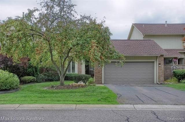 5574 Walnut Circle E, West Bloomfield Twp, MI 48322 (#219100119) :: The Buckley Jolley Real Estate Team