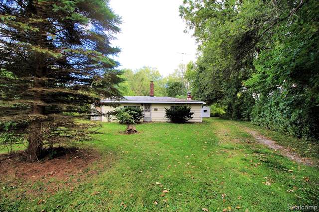 5759 Gratiot Avenue, ST. CLAIR TWP, MI 48079 (#219100128) :: The Buckley Jolley Real Estate Team