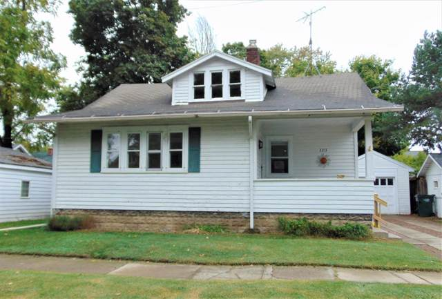 2213 Fernwood Avenue, Lansing, MI 48912 (#630000241282) :: The Mulvihill Group