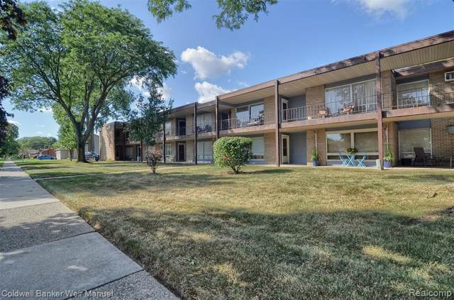 15055 Hubbard Street #26, Livonia, MI 48154 (#219100299) :: The Buckley Jolley Real Estate Team