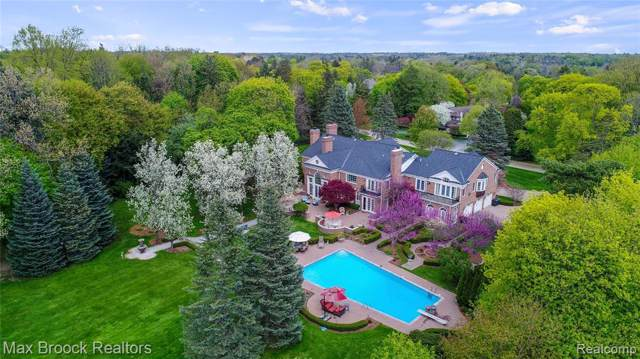 1115 Country Club Road, Bloomfield Hills, MI 48304 (#219100981) :: The Mulvihill Group