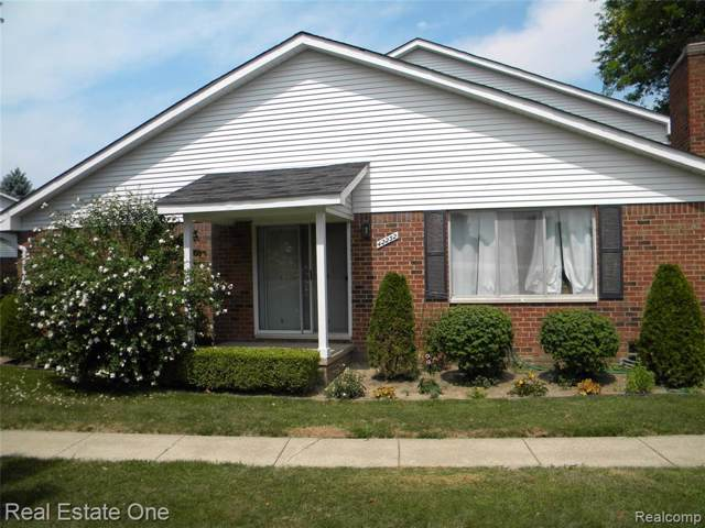 42232 Toddmark Lane, Clinton Twp, MI 48038 (#219101026) :: The Buckley Jolley Real Estate Team