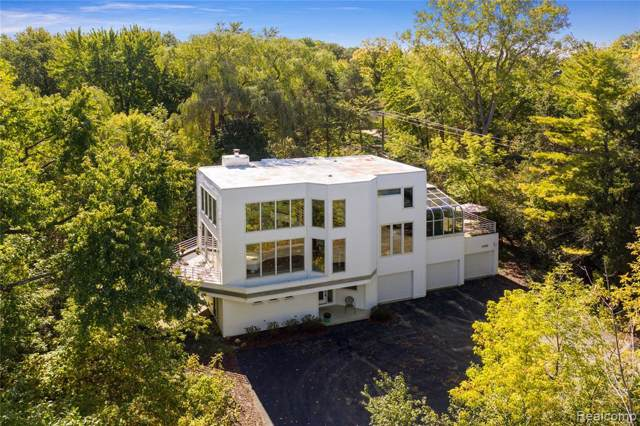 6980 Grand Avenue, West Bloomfield Twp, MI 48322 (#219101614) :: The Buckley Jolley Real Estate Team