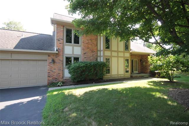 4034 Willoway Place Drive, Bloomfield Twp, MI 48302 (MLS #219101712) :: The Toth Team